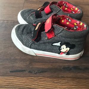 Mickey Mouse tennis shoes size 7 toddler